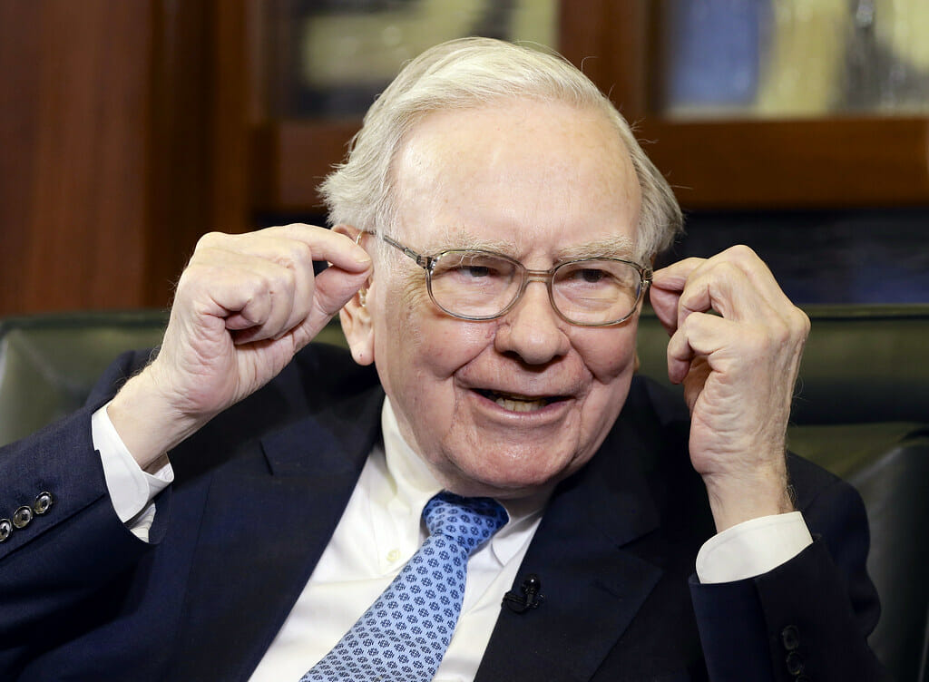 According to Warren Buffett, These Are the 7 Traits of Genuinely Happy People
